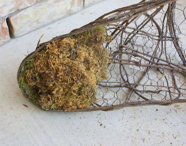 How to make a moss basket