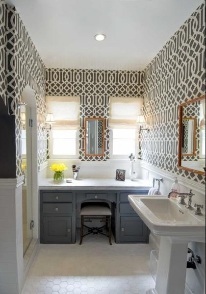 Imperial Trellis- Kelly Wearstler- Black- Wallpaper- Bathroom