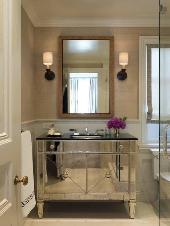 Wallpaper in bathrooms trends