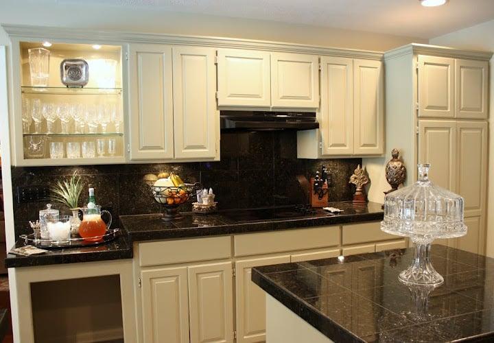 Kitchen- Taupe- Black
