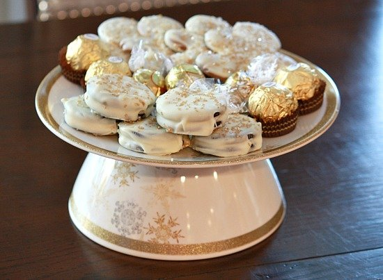 DIY Cake/Cookie Stands by Gluing a Melamine Plate and Bowl Together {The Creativity Exchange}