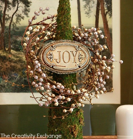 Pearl Berry Sprig Wreath on Topiary {The Creativity Exchange}