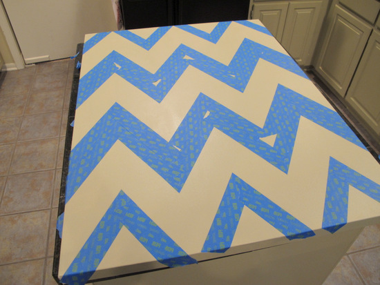 DIY Chevron Canvas Wall Art With Free Printable Stencil