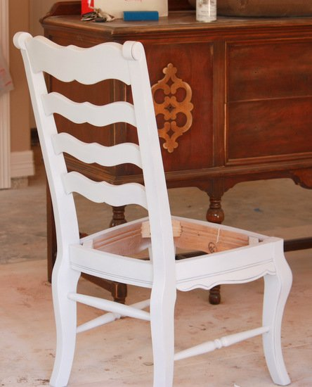 Tips & Tricks for Revamping Furniture with Spray Paint