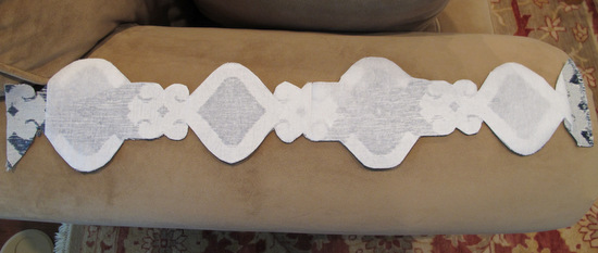 How to Create Pillow Appliques with Steam a Seam {The Creativity Exchange}