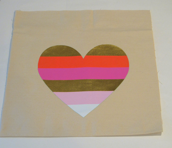 Turn a t-shirt screen print into a fun applique for pillows or canvas totes {The Creativity Exchange}
