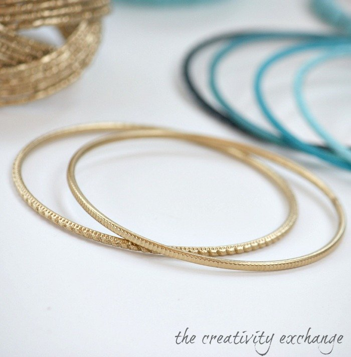 Transform old junk jewelry with enamel spray paint {The Creativity Exchange}