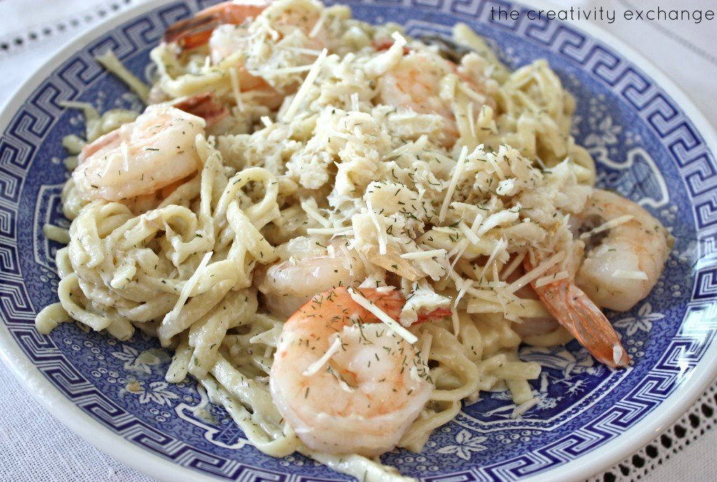 Seafood Linguini- lite version that taste like a thick and rich cream sauce but healthier {The Creativity Exchange)