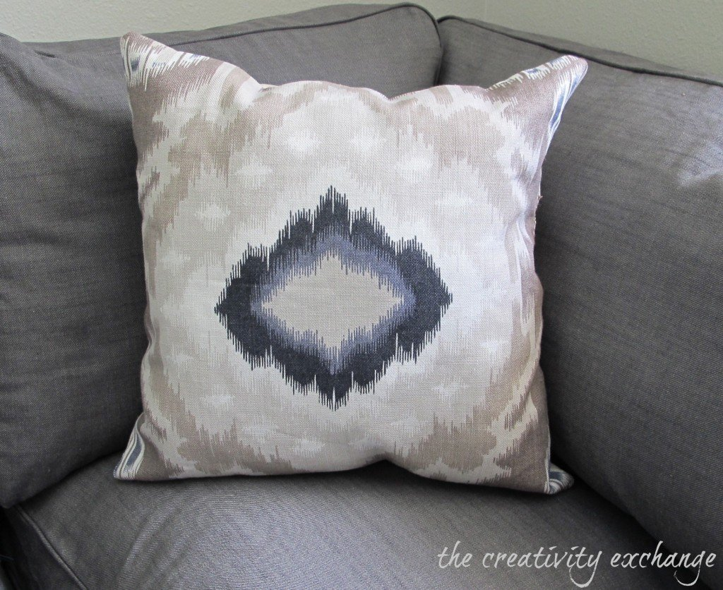 Shortcuts for Making Perfect Pillows {Sew or No-Sew} The Creativity Exchange