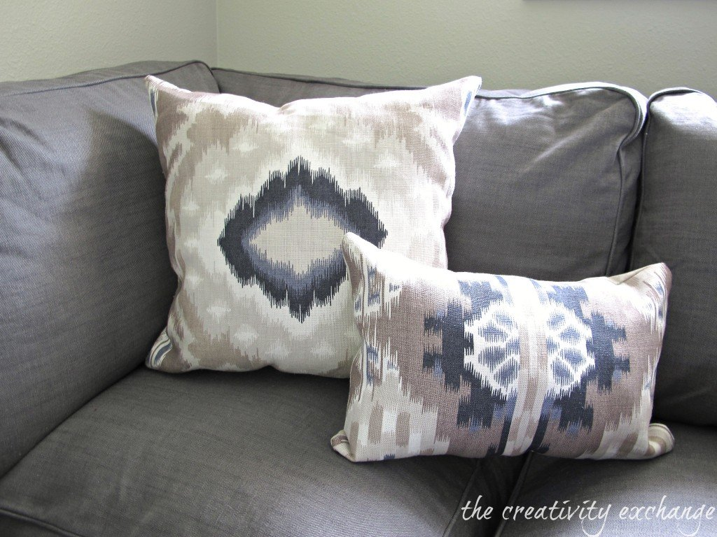 Shortcuts for sewing perfect pillows {The Creativity Exchange}
