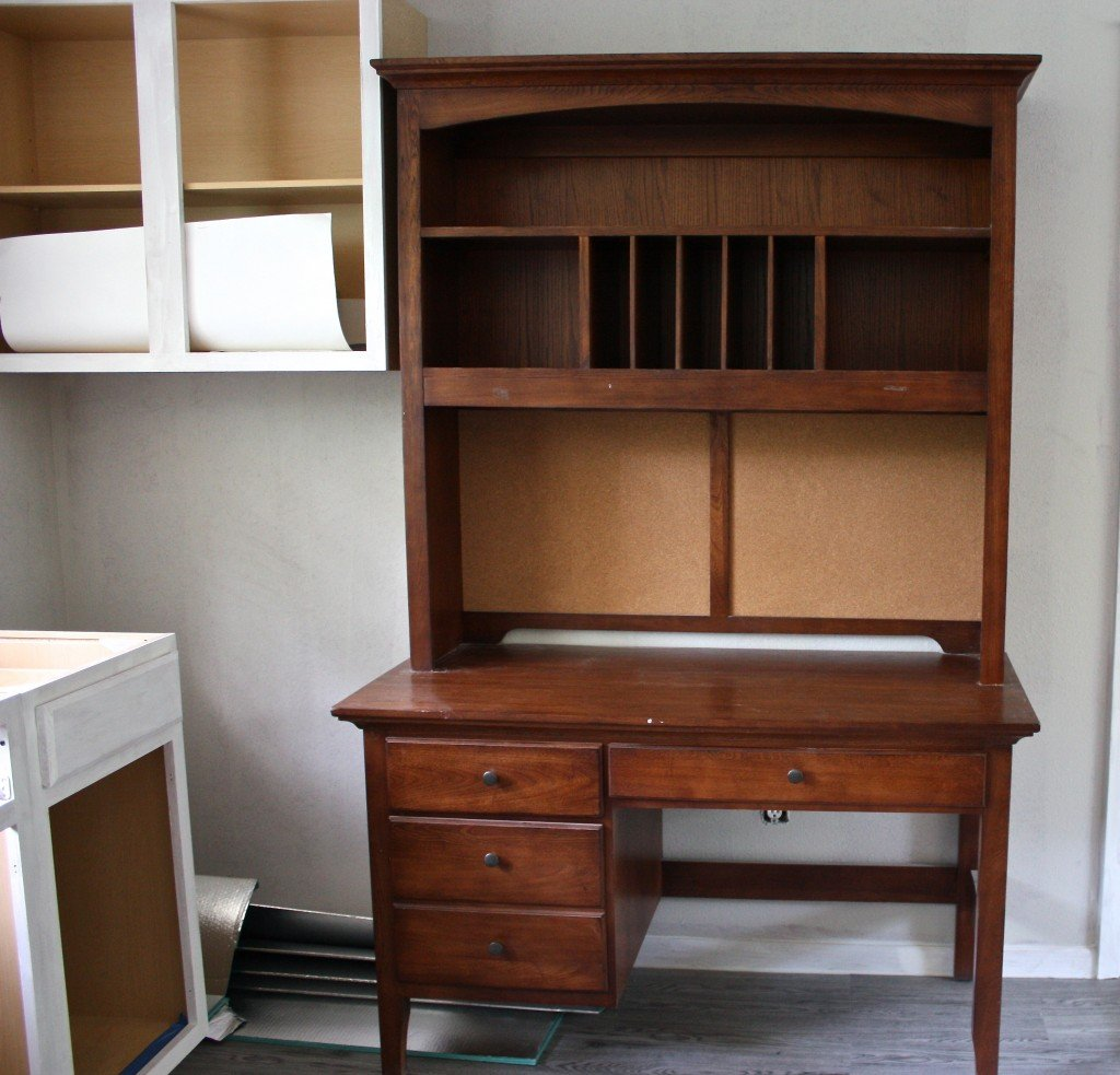 Before and after hutch desk transformation {The Creativity Exchange}
