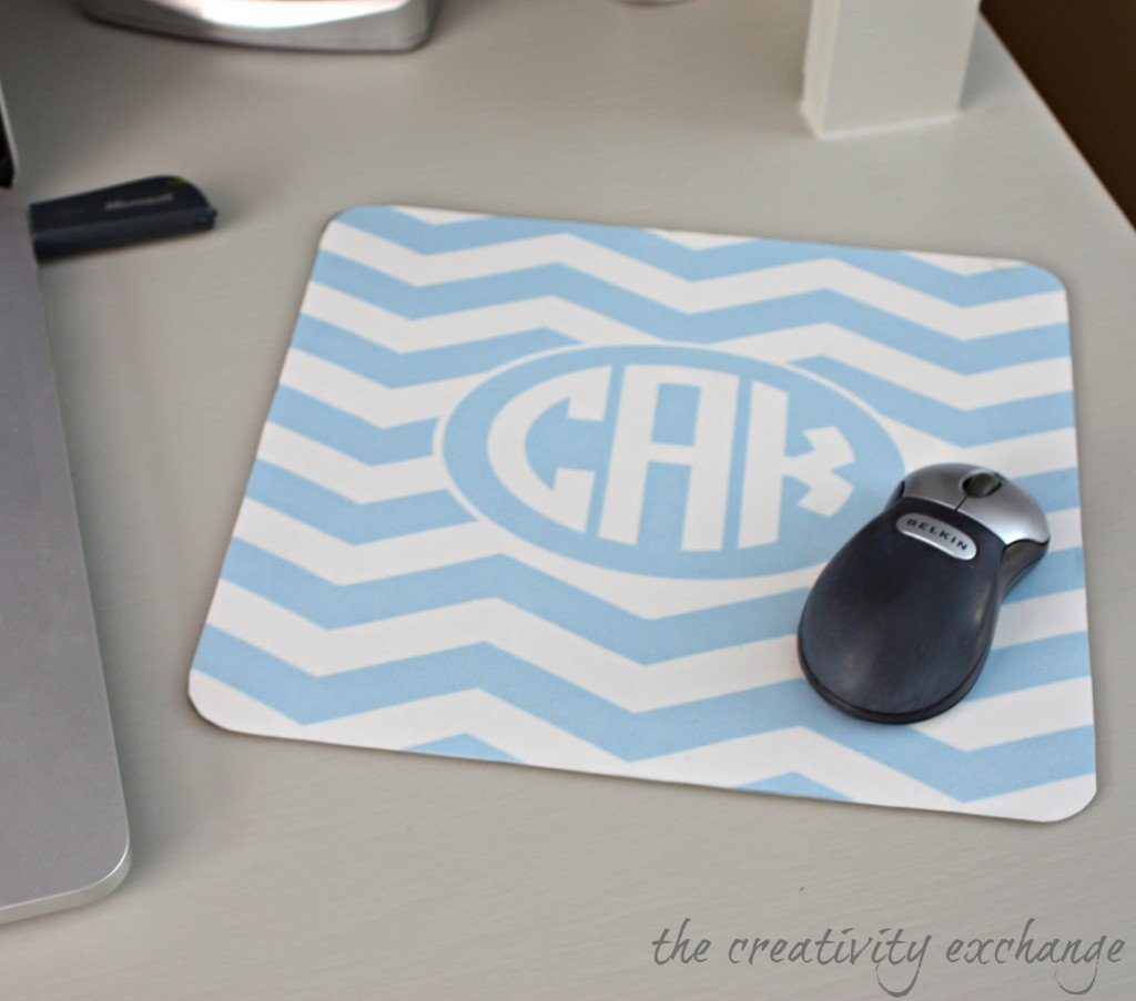 DIY Monogrammed Mousepad using Free Monogram Printables {The Creativity Exchange}