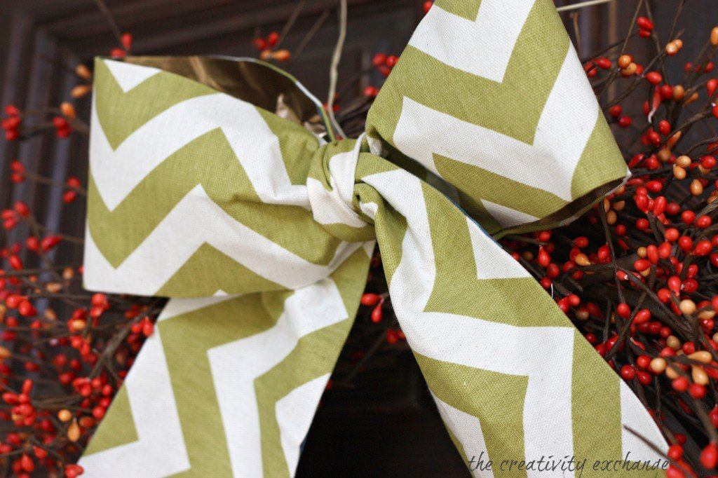 Fall berry wreath with DIY scrap fabric bow (The Creativity Exchange)