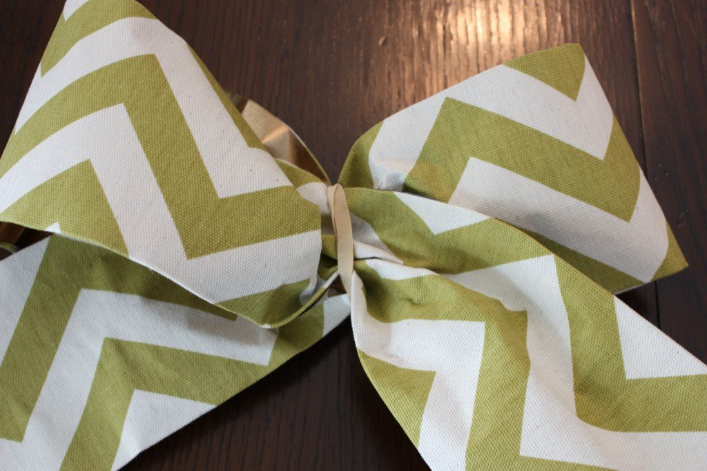 How to turn scrap fabric into pretty bows and ribbons with Blue Painters tape
