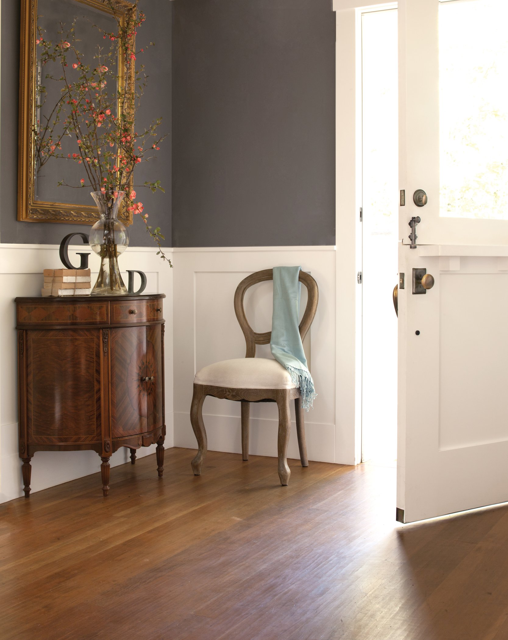 Interview with Paint Color Stylist Mary Lawlor from KellyMoore