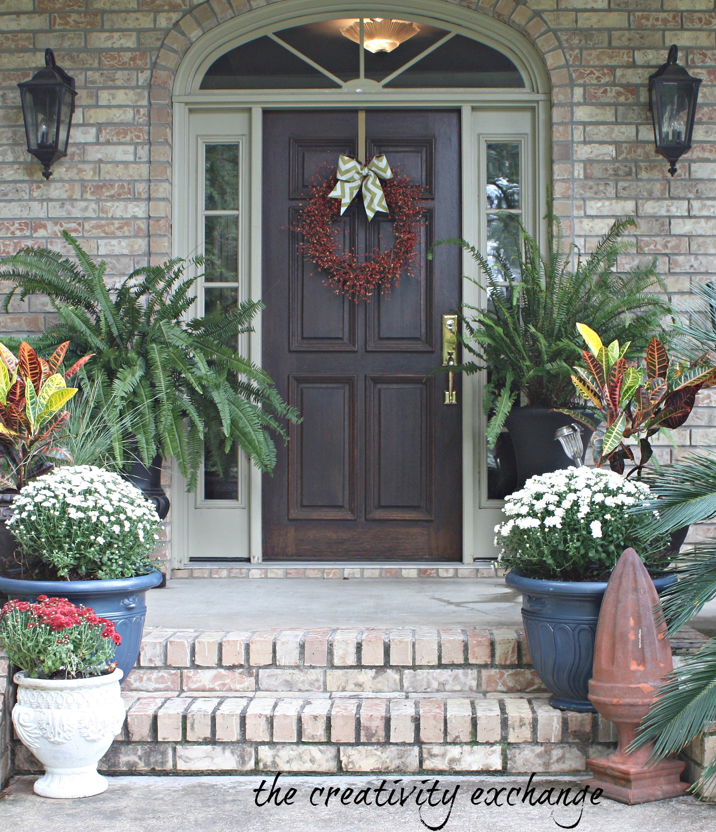 Fall Front Porch Fluff (Sprayed Gold Pumpkin Buckets