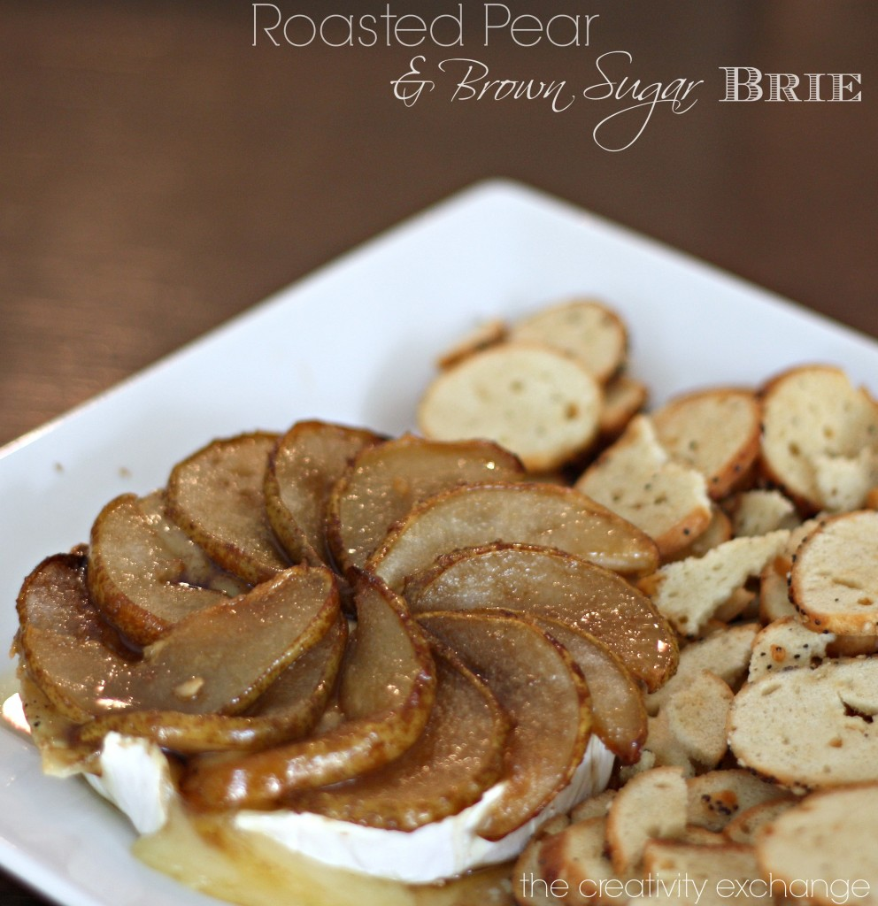 Roasted Pear & Brown Sugar Brie. Great holiday appetizer {The Creativity Exchange}