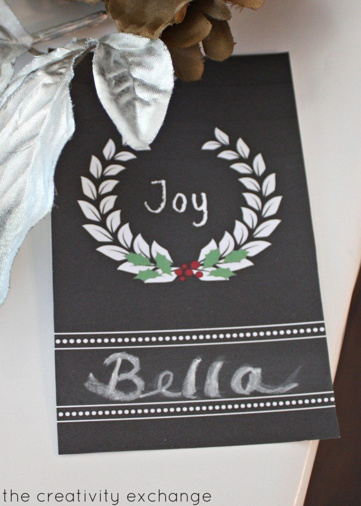 Free printable chalkboard holiday tags that you write on with chalk. {The Creativity Exchange}