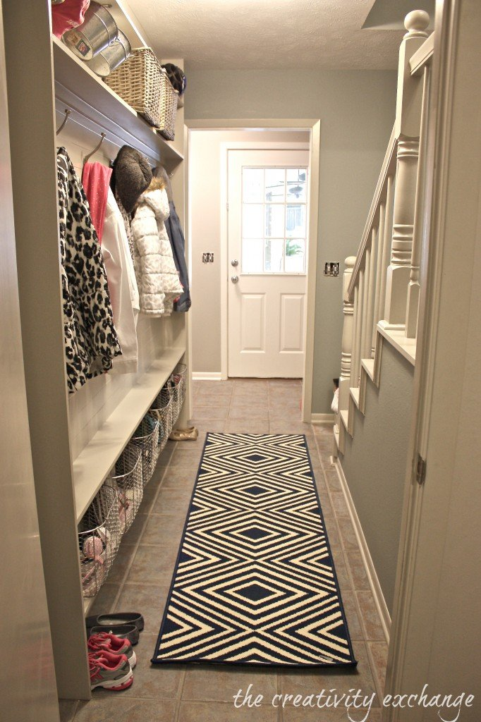 Tutorial for framing a narrow hallway built-in mudroom (The Creativity Exchange)