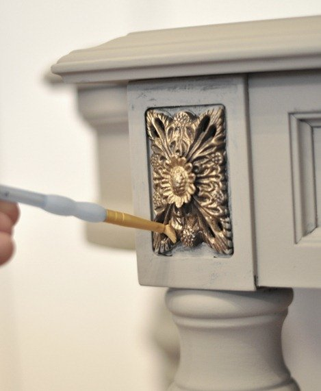 Beau Kate Used Rub N Buff To Dry Brush Gold On A Carved Area On A Console