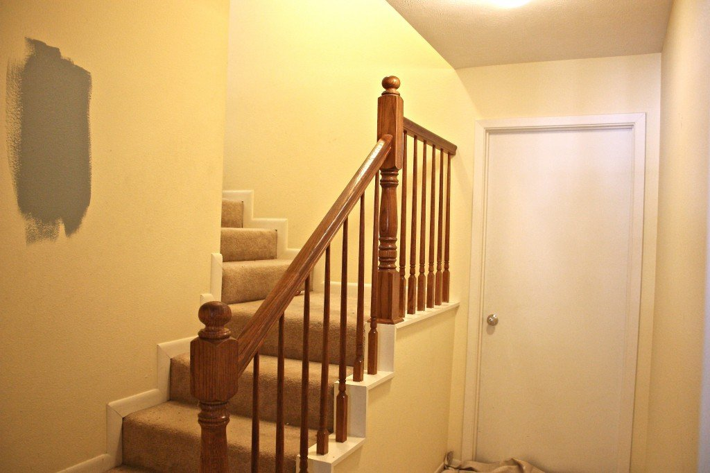 stairwell revamp before picture {The Creativity Exchange}