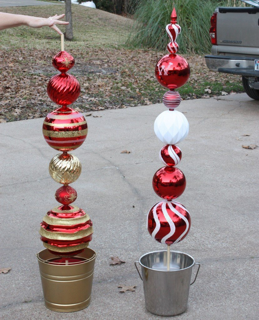 Diy tall ornament topiary for Christmas lawn ornaments