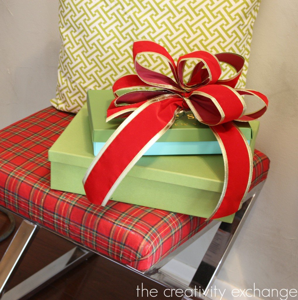 Tarten plaid bench mixed with pretty green {The Creativity Exchange}