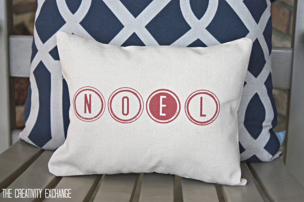 "free printable ""Noel"" and ""Merry"" for making Christmas pillows. Tutorial for how to print on fabric. {The Creativity Exchange}"