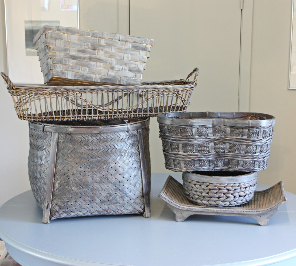 Easy gray stain/paint wash for revamping old ugly baskets {The Creativity Exchange}
