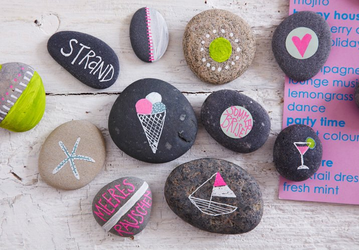 Pretty painted rocks {Paint It Monday} The Creativity Exchange