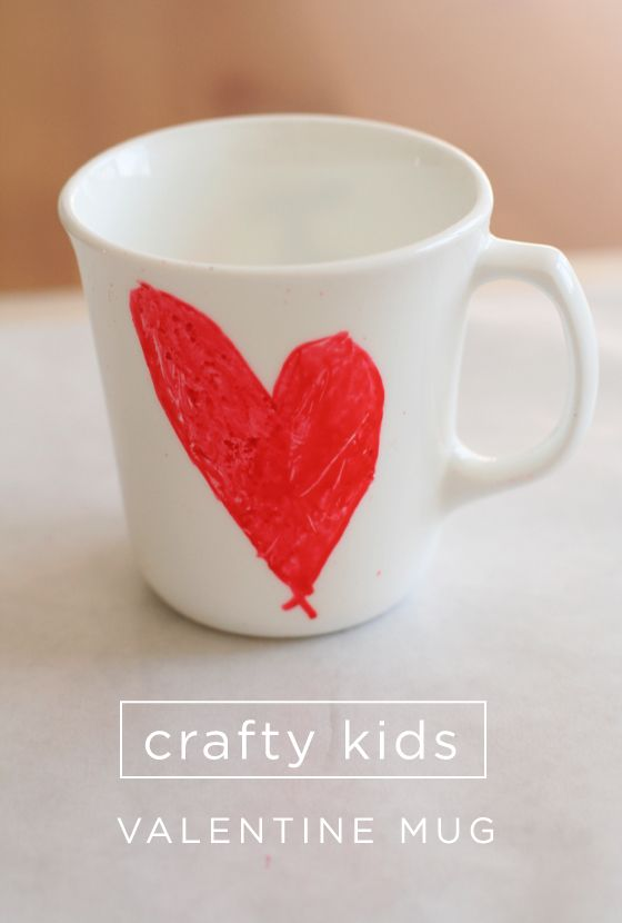 Kids painted coffee mugs as Valentine gifts {Paint It Monday}