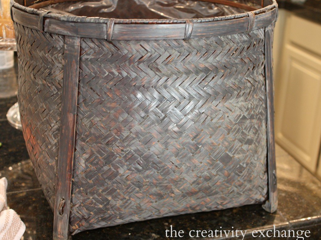 gray wash stain paint wash for revamping old baskets {The Creativity Exchange}