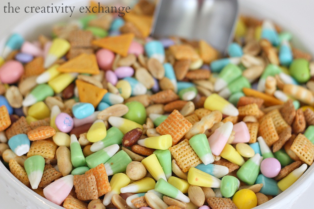 Recipe for sweet and salty spring snack mix (spring candy corn, Reeses peanut butter, cheddar chex mix) The Creativity Exchange
