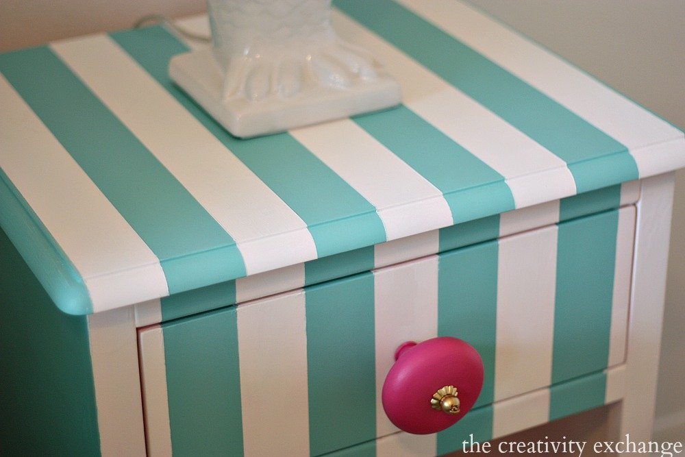 Tutorial for creatively painting children's furniture (Paint It Monday) The Creativity Exchange