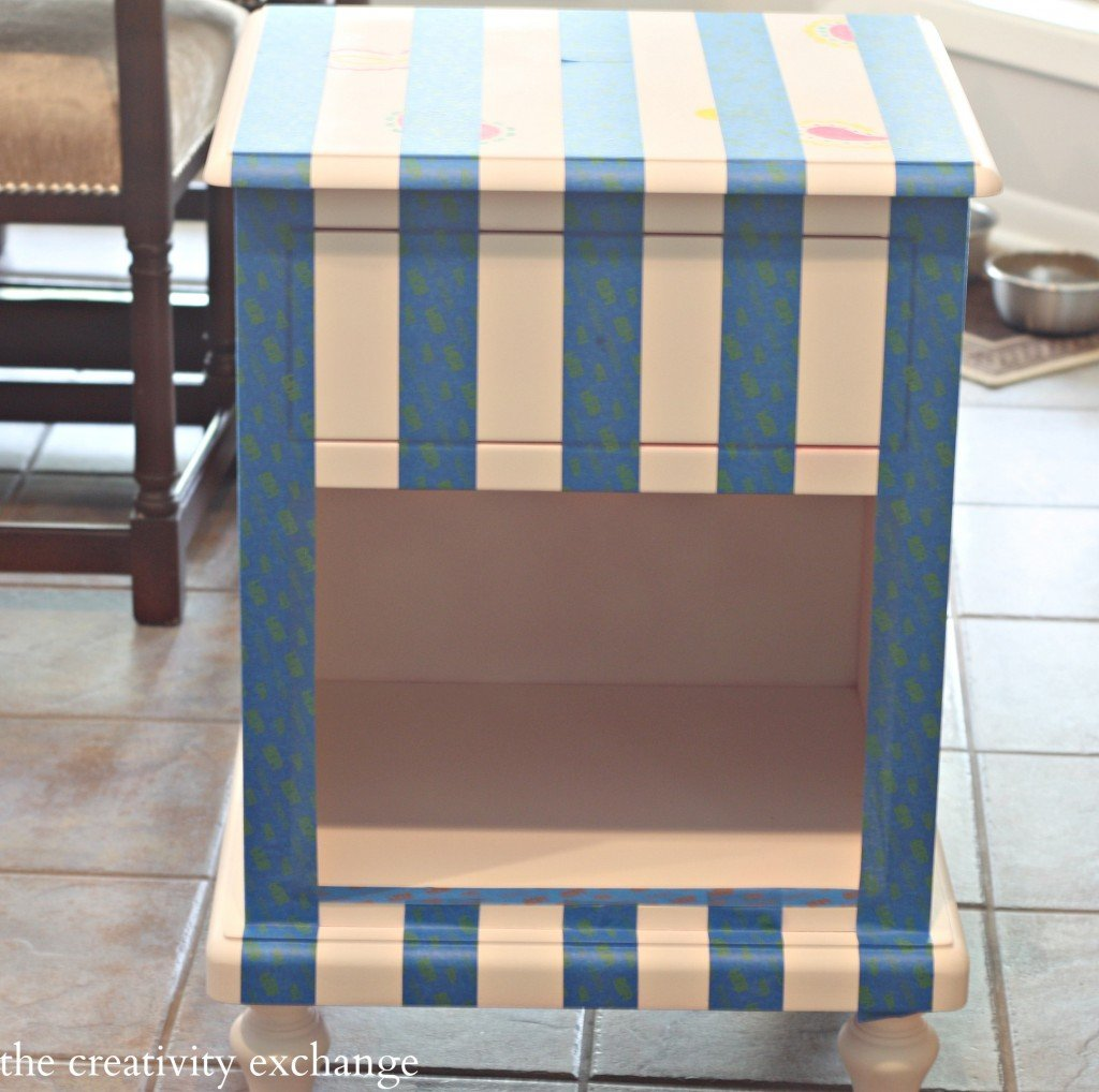 Tutorial for creatively painting furniture (Paint It Monday) The Creativity Exchange
