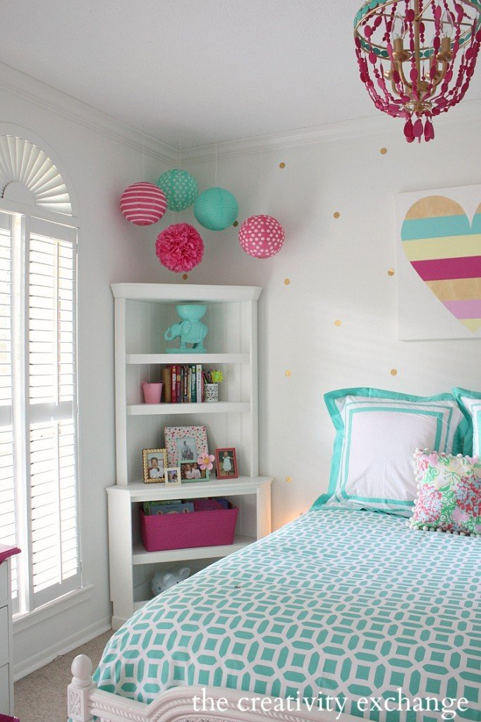Little girl 39 s room revamped to bright and bold tween room for Bright teenage bedroom designs