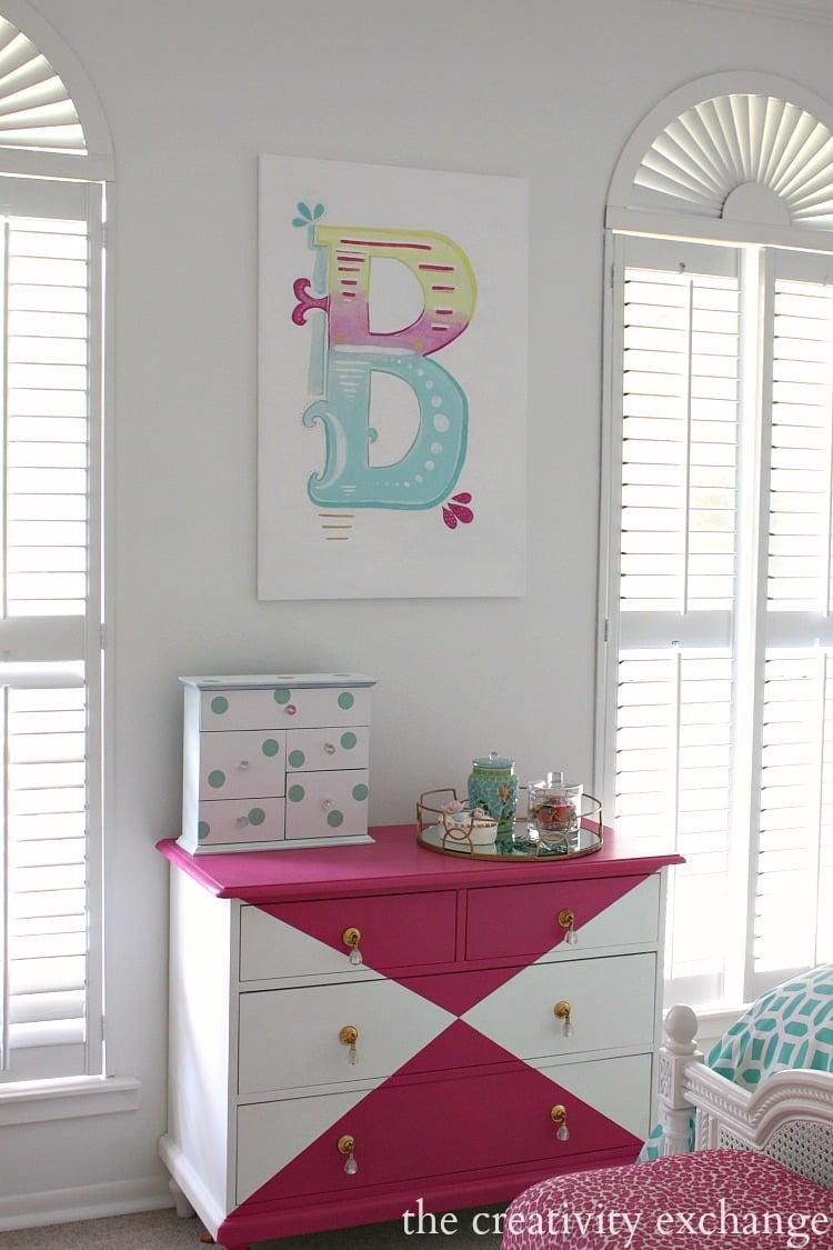 Little girl 39 s room revamped to bright and bold tween room - Tween girl room decor ...