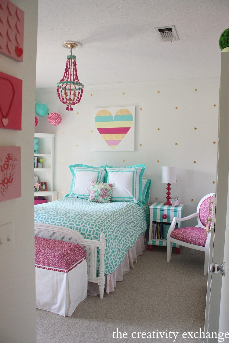 Girlu0027s Bedroom Revamp With A Lot Of Fun DIY Projects. The Creativity  Exchange
