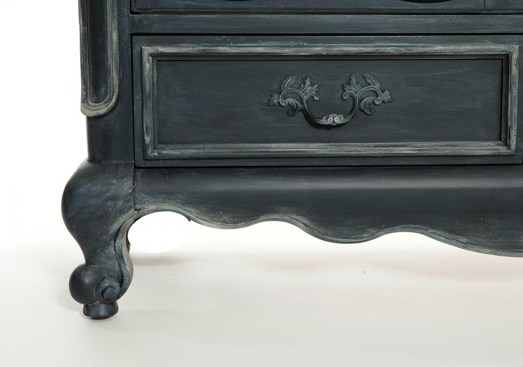 Round up of velvet finishes furniture revamps paint it monday - Black chalk paint dresser ...