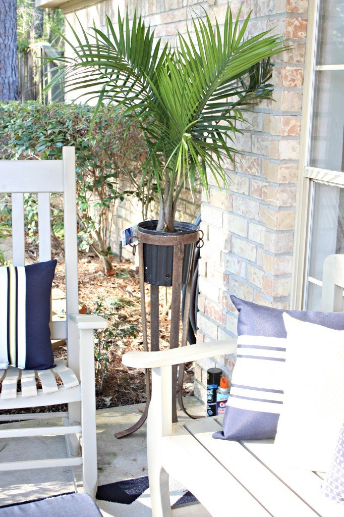 Tips for painting outdoor furniture, planters and accessories. The Creativity Exchange