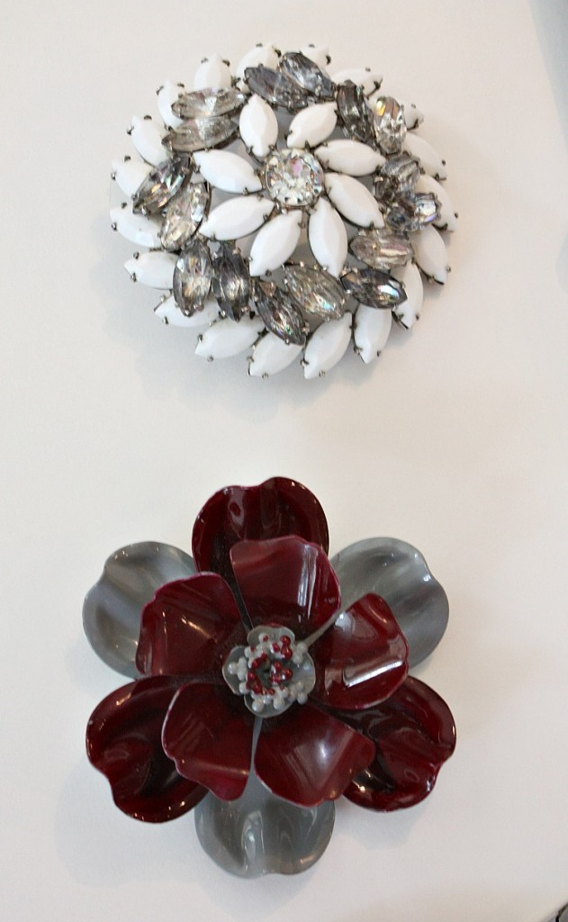 How to attach vintage pins to glass or candles for easy and beautiful gift ideas.  The Creativity Exchange