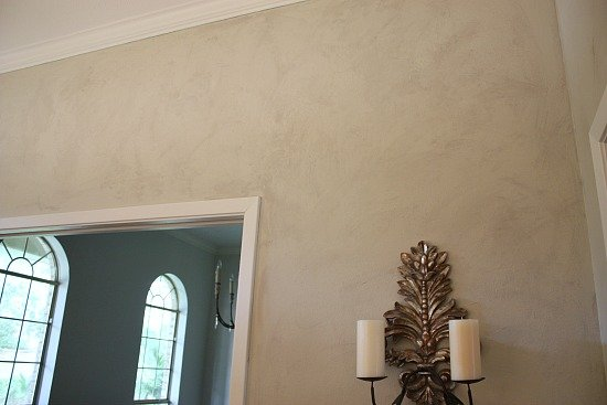 Tutorial for how to do a faux plaster wall paint treatment. The Creativity  Exchange