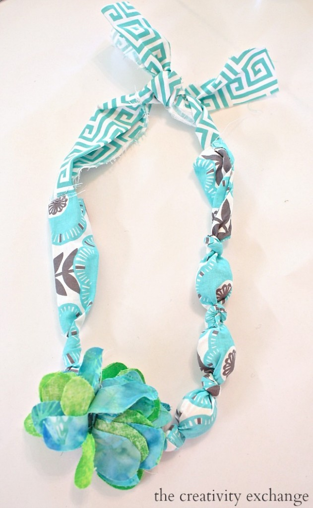 DIY fabric necklaces and bracelets for the kids. Perfect summer craft idea for the little girls.  The Creativity Exchange