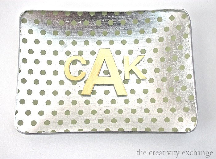 Monogramming tricks with vinyl letters for great personalized gifts.  The Creativity Exchange