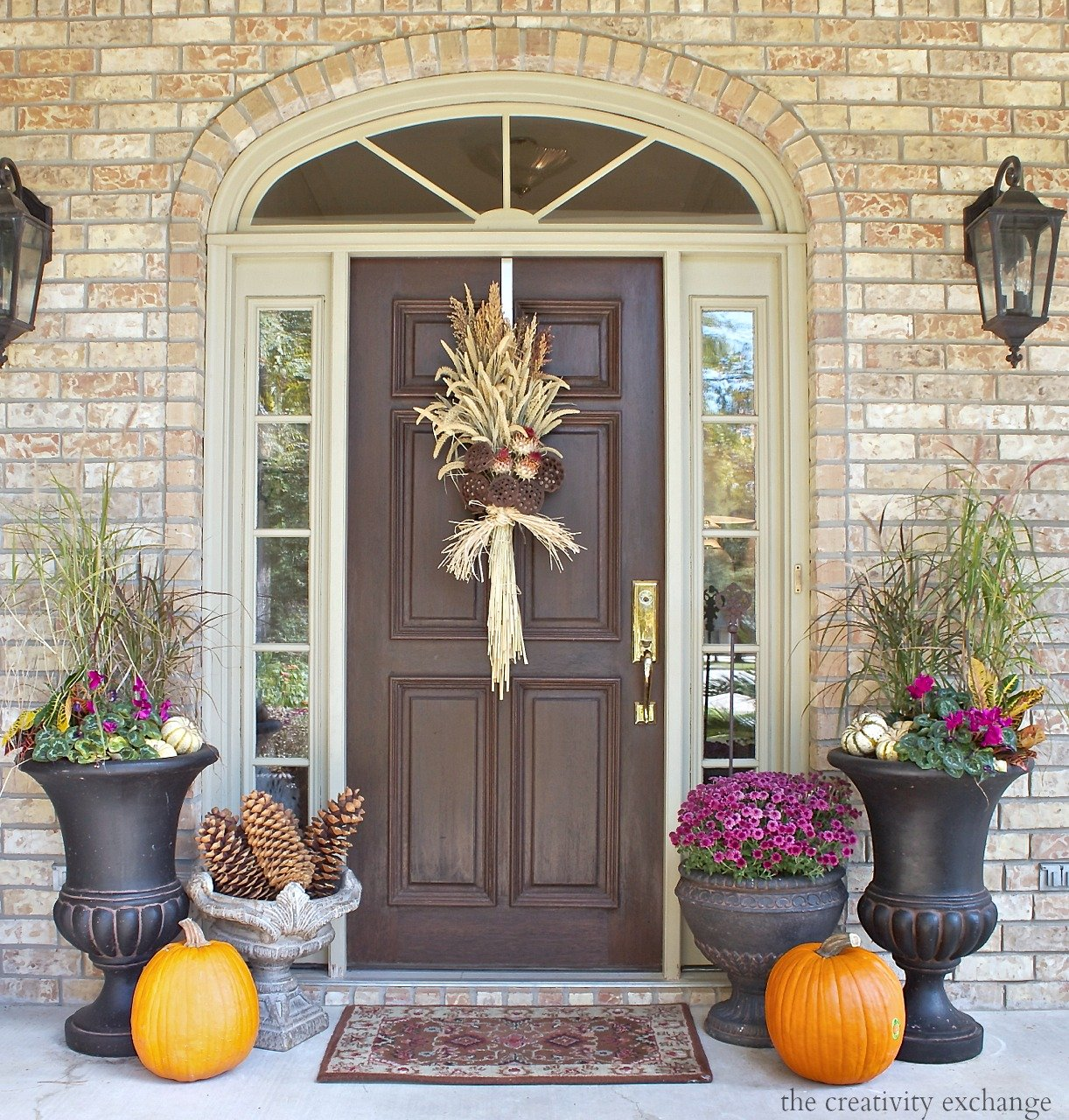Fall Front Porch: Easy Fall Door Swag Using Dried Naturals
