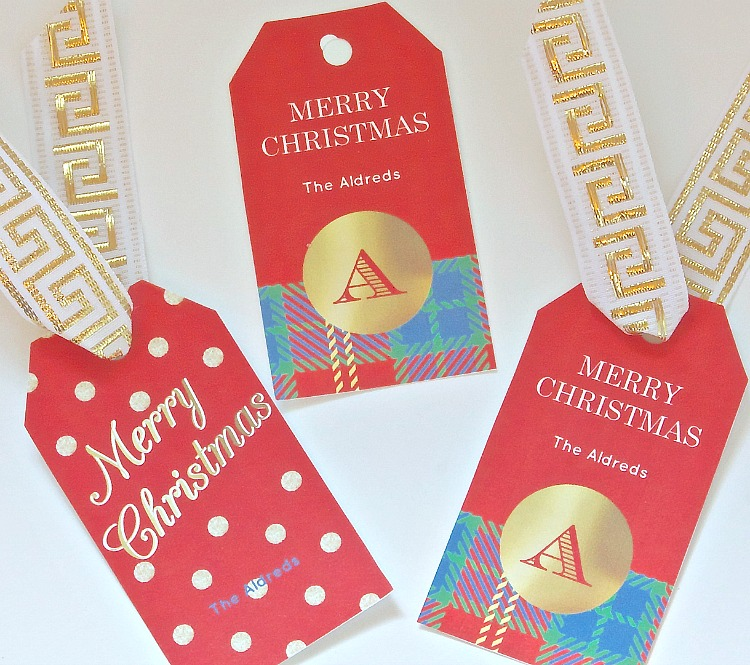 Free printable customizable gift tags that you can type in your name, wrapping paper and adorable bows. From Chicfetti and The Creativity Exchange