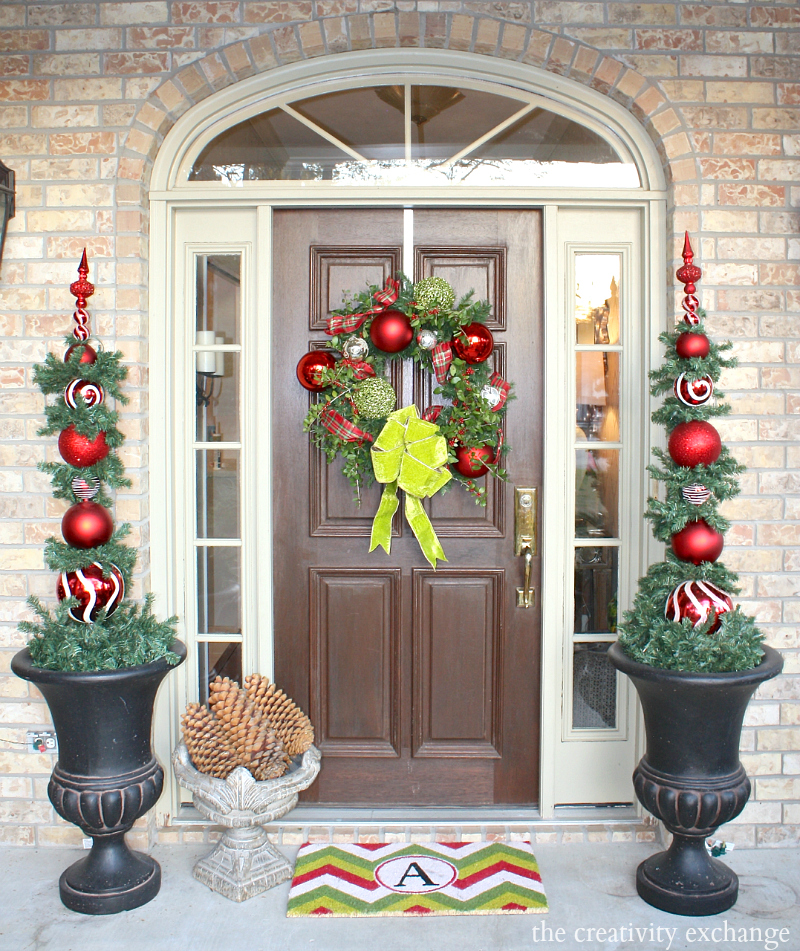 Front Door Topiary: Our Christmas Home Tour