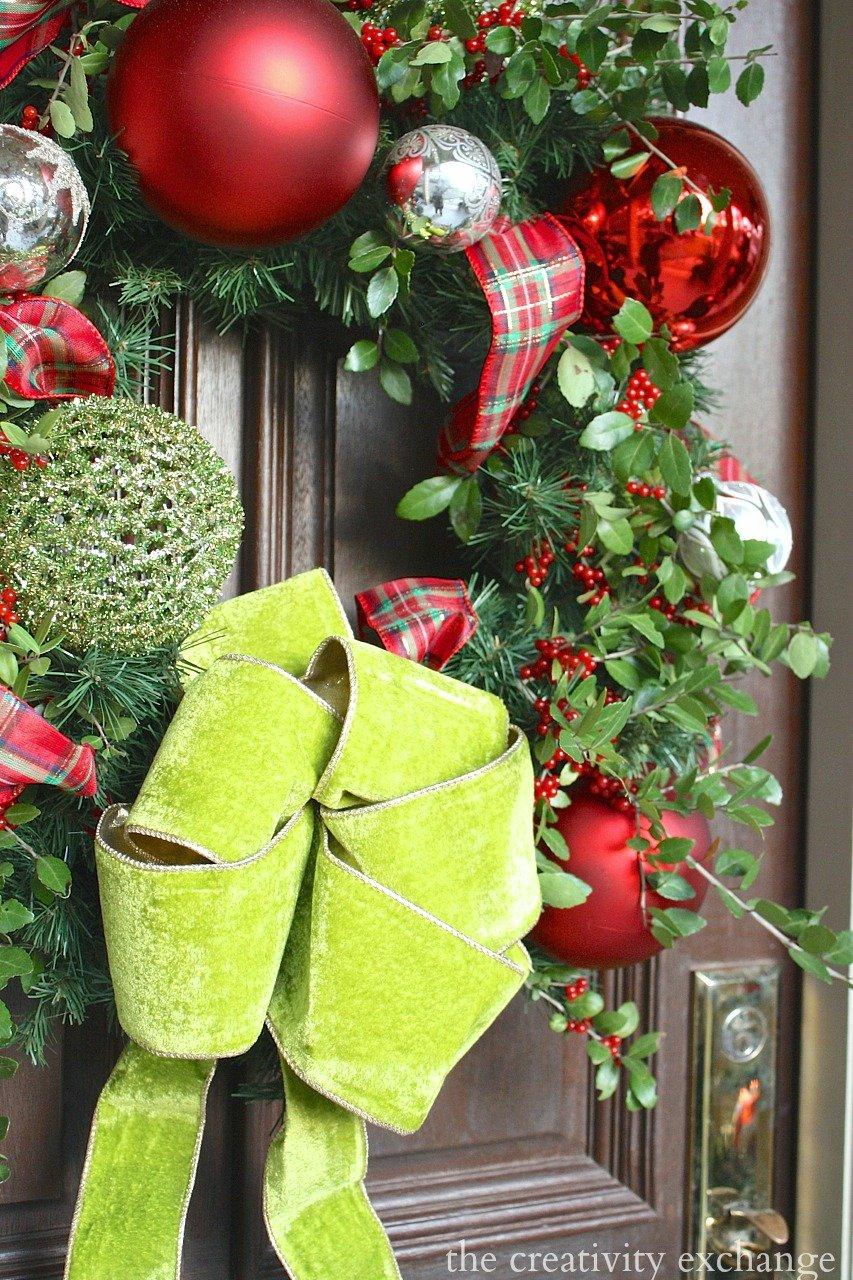 Christmas front door wreath. The Creativity Exchange