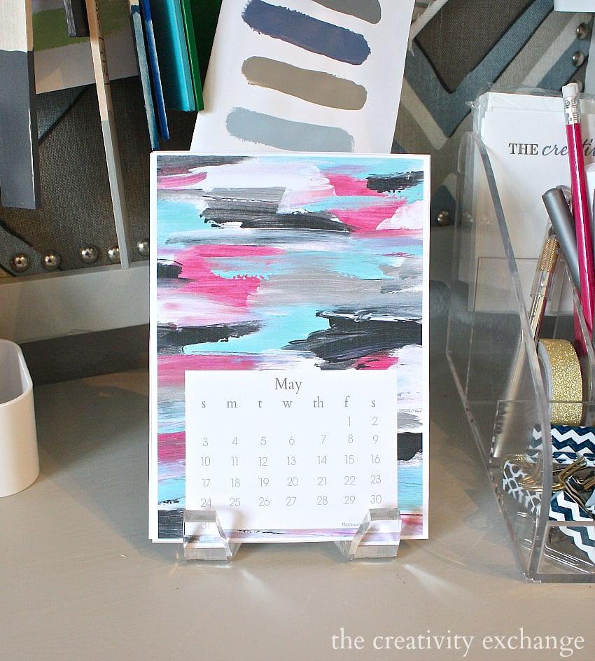 Free printable 2015 desktop calendar from the creativity exchange