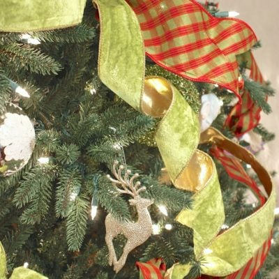 Quick Christmas Tree Ribbon Decorating Trick